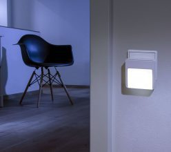 ANSMANN Guide MOTION LED-Orientierungslicht, Dämmerungssensor und Bewegungsmelder Steckdose