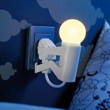 Lunartec Originelles LED-Nachtlicht Lustiges Kerlchen Tagessensor